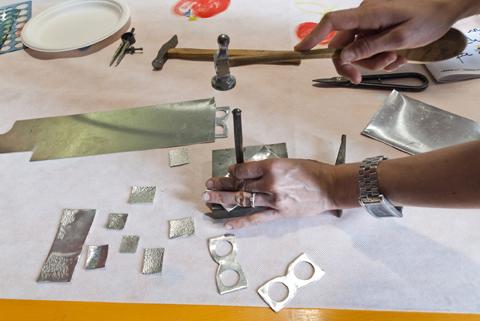 Let's fold, laboratorio di approccio al metallo