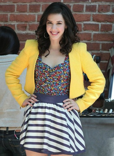 bustier-top-striped-skirt-yellow-vest_4001