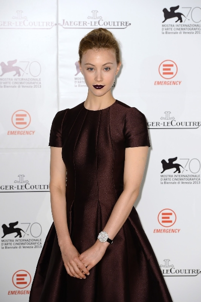 actress-sarah-gadon-wearing-jaeger-lecoultre-la-montre-extraordinaire-la-rose-while-attending-the-emergency-charity-vff-2013getty-images